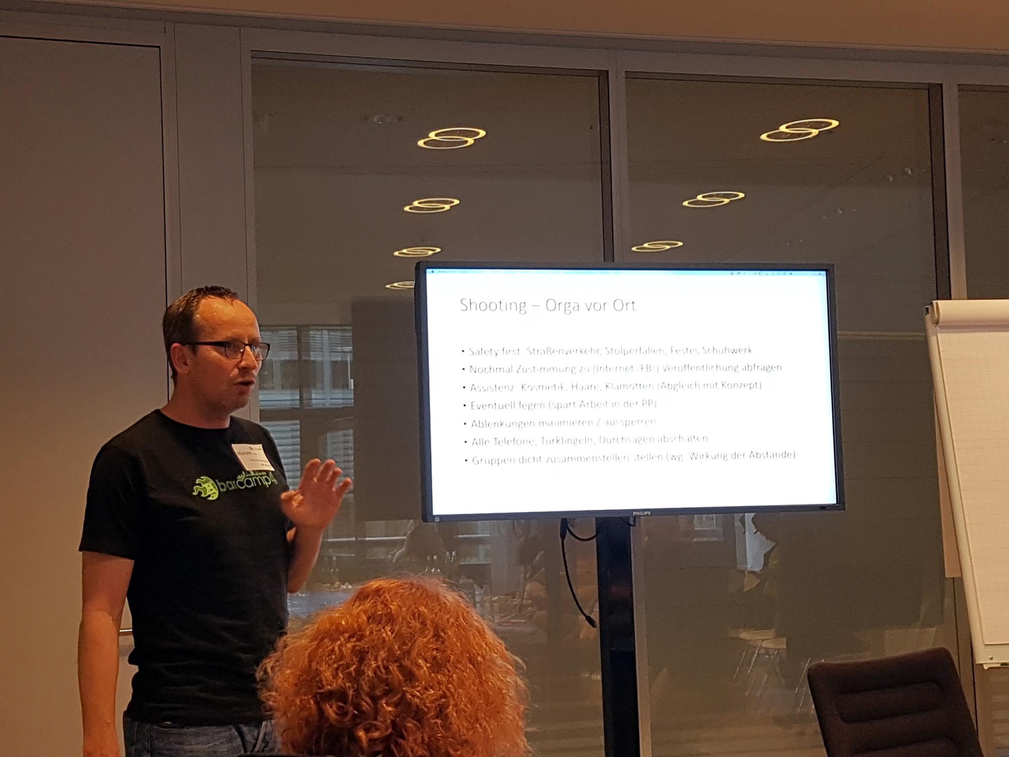 Michael Stein hält eine Session beim BarCamp Düsseldorf